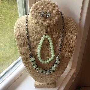 Vera Wang Jewelry set in Mint Green, NWOT